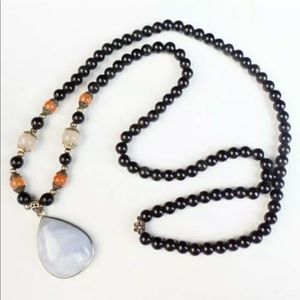 Wrap purple and black Agate beaded necklace